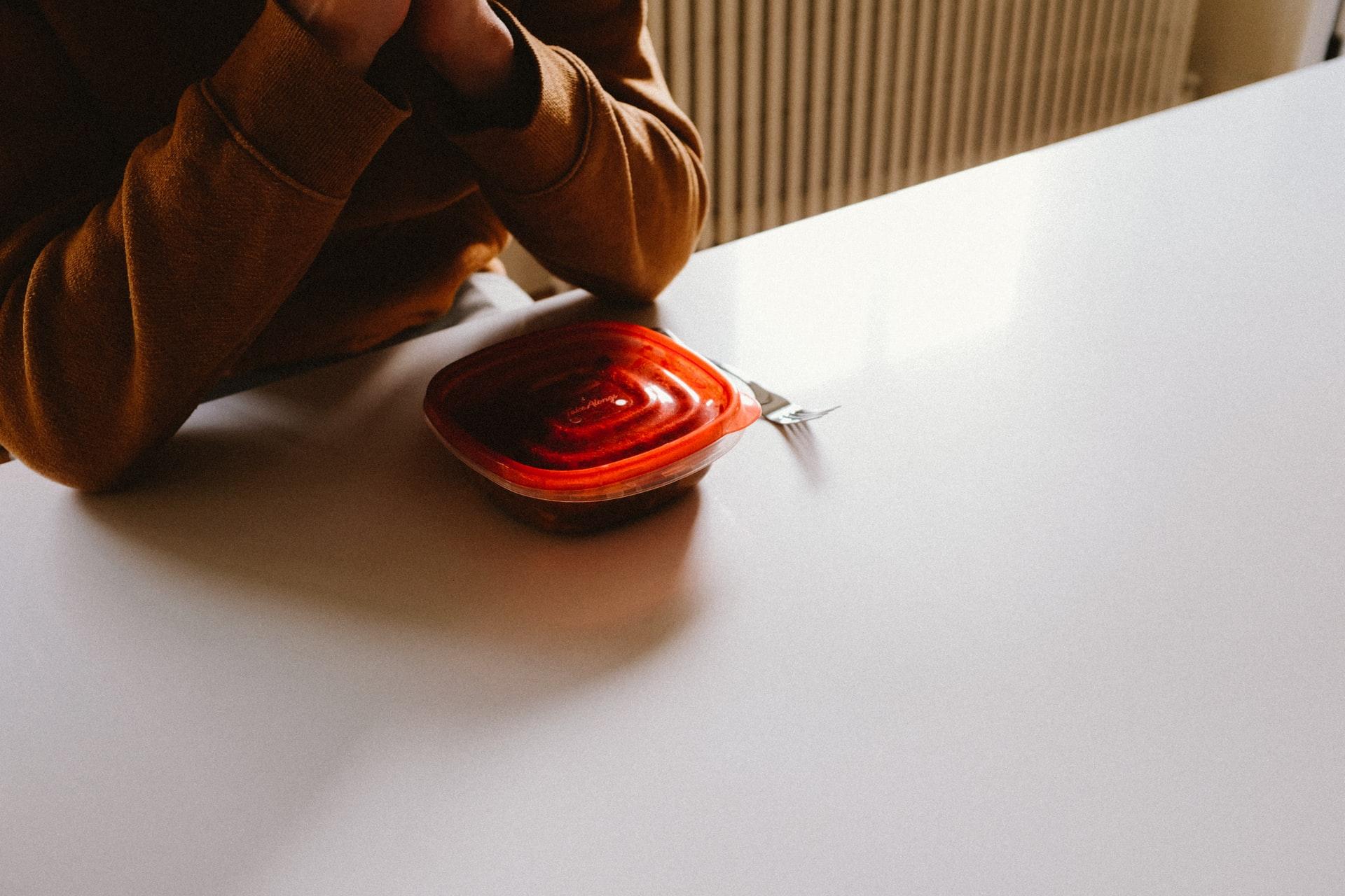 Ser Revendedora Tupperware Vale a Pena? Confira nossas impressões (Imagem: Charles Deluvio/Unsplash)